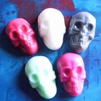 Small Skulls (x 5)